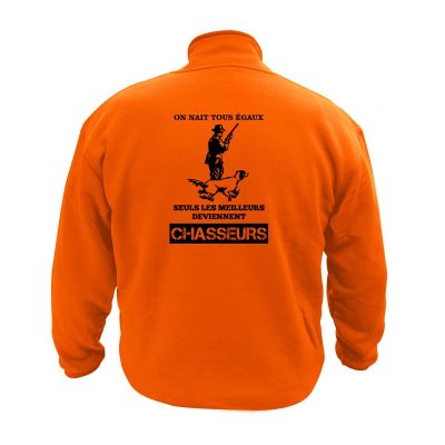 pull-apres-chasse-on-nait-tous-egaux-chasseur